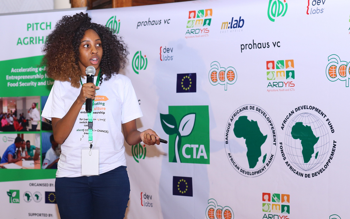 Pitch AgriHack 2018 for young e-agriculture Start-Ups ! ( Win 15 000 Euros in Cash)